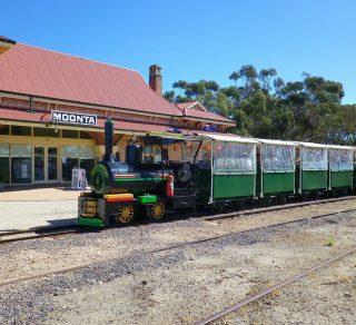 Station-Train-320x292